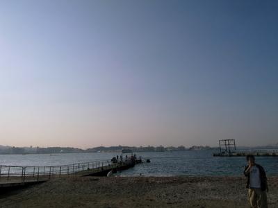 暮れゆく浜辺