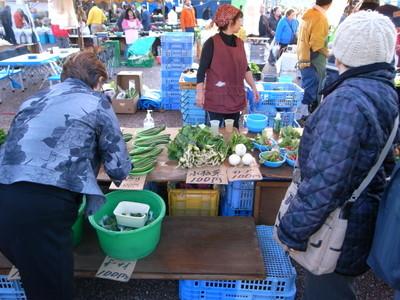 野菜も売ってます