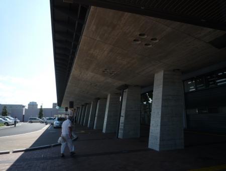 高知駅_3,_20090812145830
