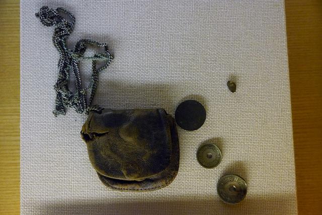 ⑧上海で戦死した陸軍伍長の小銭入れ