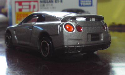 トミカ日産GT-R(R35) 2