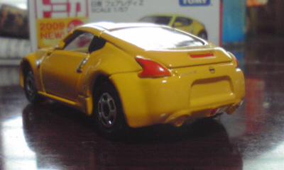 トミカ日産フェアレディZ(Z34) 2