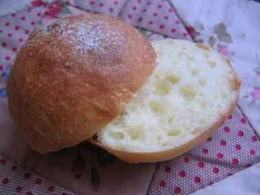 酵母 はちみつミルクパン
