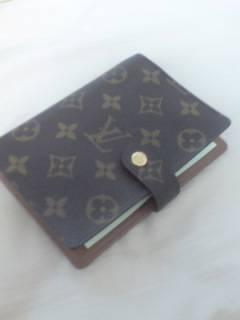 ヴィトン手帳