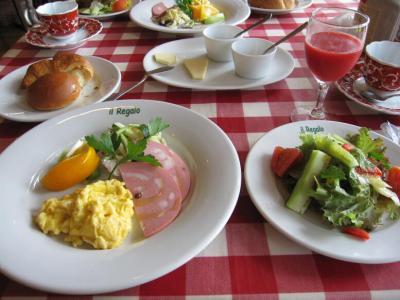 朝食もボリュームたっぷり