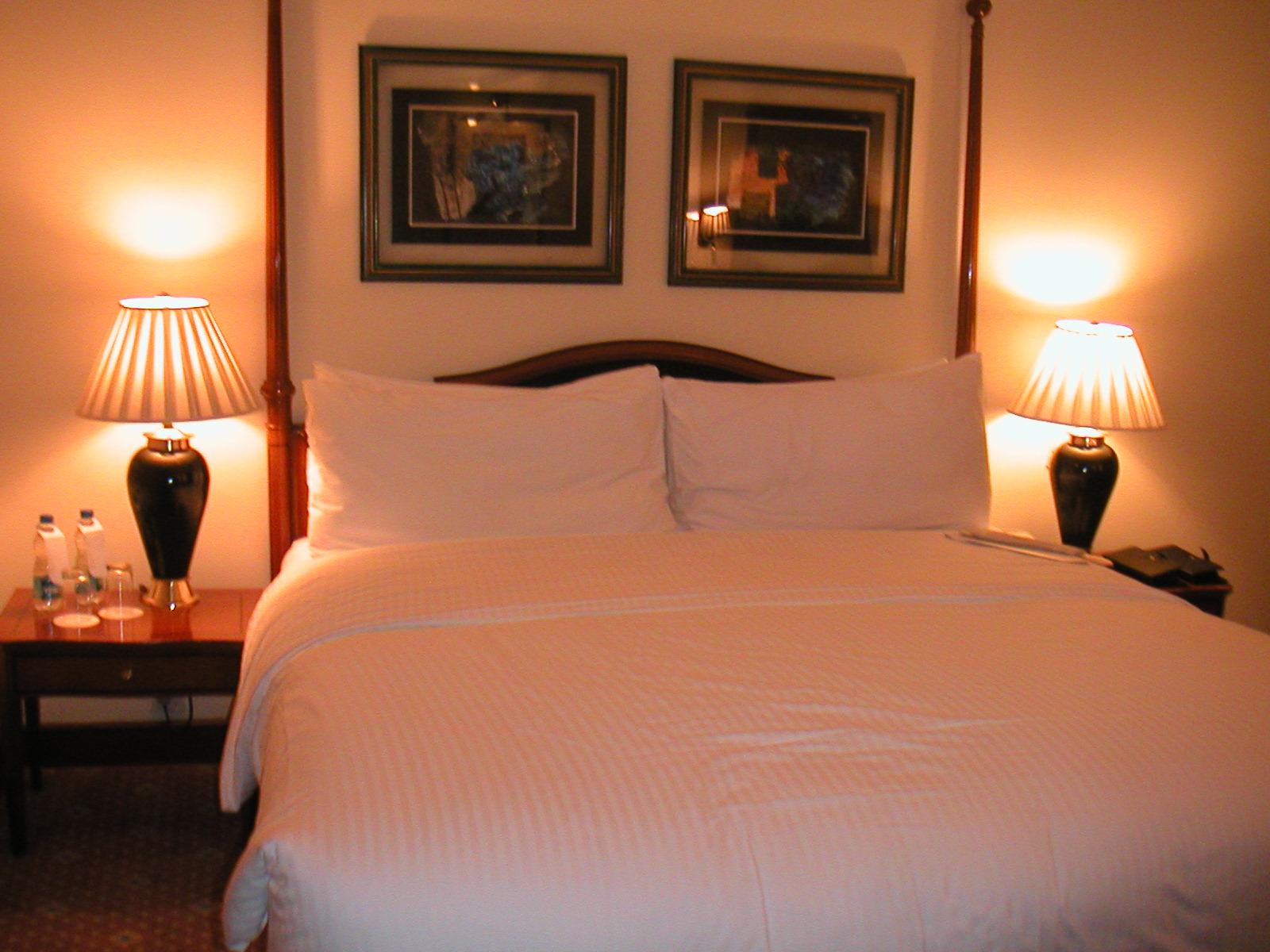 「ベッド ラブホ」の画像検索結果