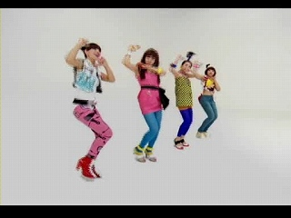 s-Big Bang - LOLLIPOP Phone CF (with Female Big Bang).avi_000015066