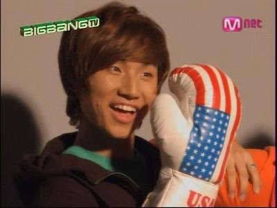 090819 Mnet GDTV+2NE1 TV (44)