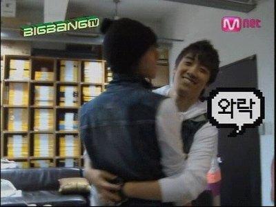 090819 Mnet GDTV+2NE1 TV (49)
