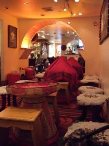 Addis RED SEA 店内