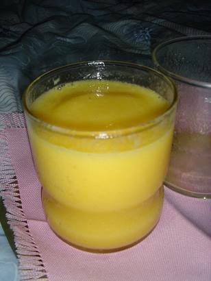 ローズのマンゴージュース