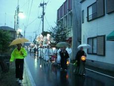昨年の渡御祭は、御旅所から神社へ向かうときに雨が降ってしまいました。。