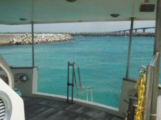 20110920クルーザー船の船尾