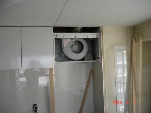 キッチンパネル、吊り戸棚、レンジフード取付