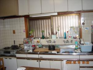 解体前のキッチンです