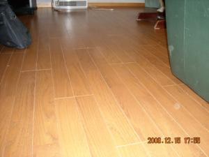 フローリング仕上げの床暖房完成