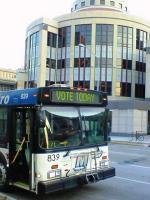 投票日のバス