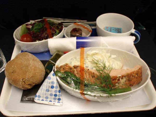 SAS往路機内食