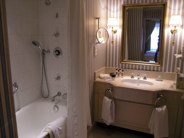 westin Paris room2