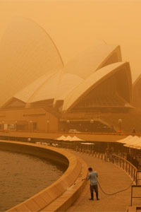 オペラハウス in Dust Storm