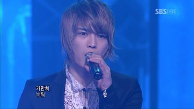 20080224 SBS 人気歌謡 - 旅行記 (Dopamine).avi_000040040