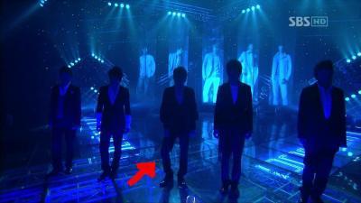 20080224 SBS 人気歌謡 - 旅行記 (Dopamine).avi_000032332