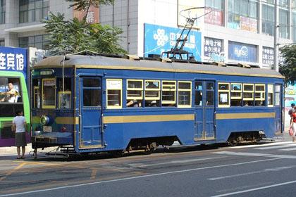 800px-Dalian_Streetcar_2005[1]