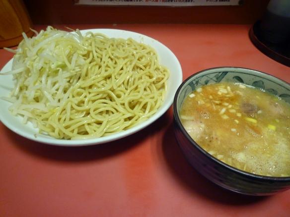 11年12月3日 歌舞伎町 つけ麺ヤサイニンニク