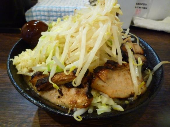 12年1月3日 麺バカ 特製豚醤油 大盛 ヤサイニンニク