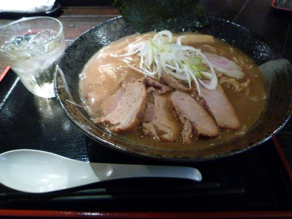 12年1月20日 浜の麺バカ 干し肉そば 大盛