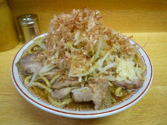 12年2月25日 新代田 チャーシュー麺ヤサイニンニクかつおぶし