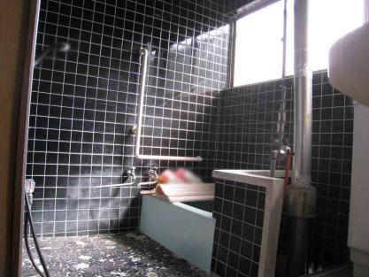 【施工事例vol.46】施工前:浴室の改装及び給湯器の移設