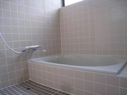 【施工事例vol.46】施工後:浴室の改装及び給湯器の移設