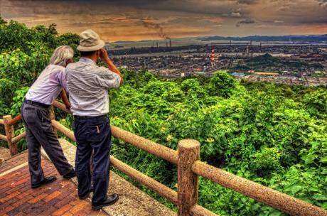 旧鷲羽山スカイライン展望台からの水島コンビナート夕景