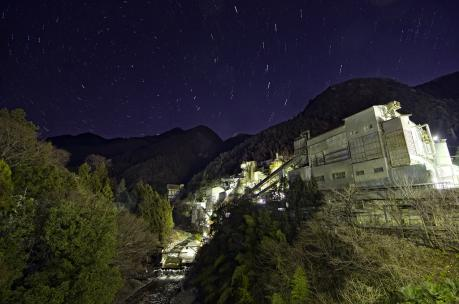 奥多摩工業氷川工場と星空夜景