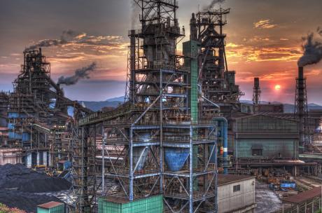 日新製鋼呉製鉄所の高炉と夕日