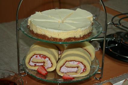 レアチーズ&ロールケーキ