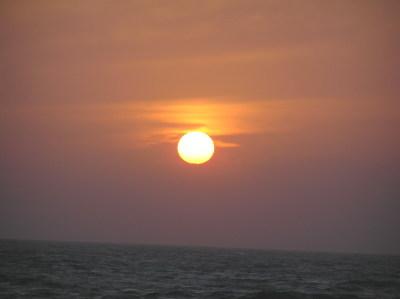 日本海☆春の夕日-浦浜海水浴場1