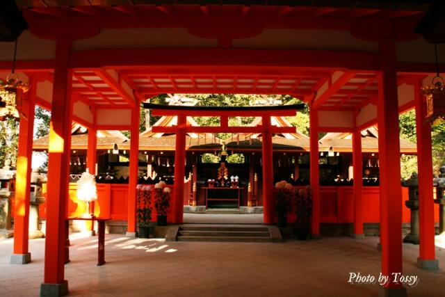 吉田神社本殿