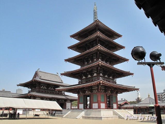 五重の塔と金堂