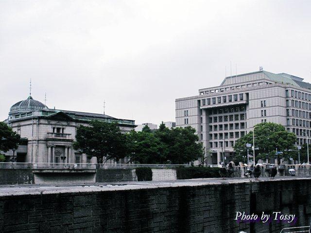 日銀と大阪市庁舎