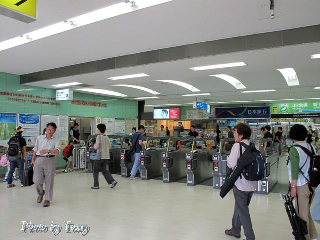 草津駅改札口