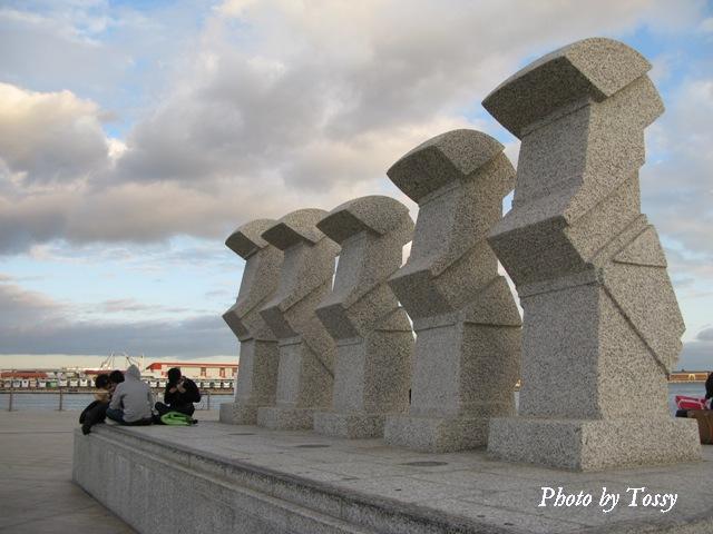 神戸海援隊の像