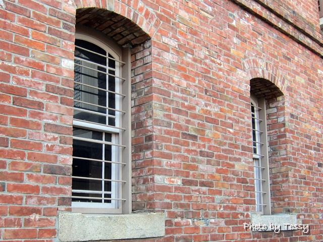 尼信記念館 窓