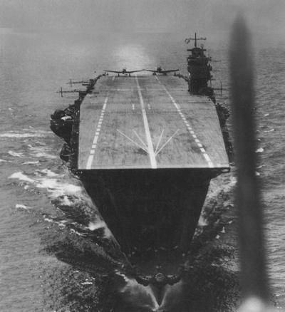 空母甲板A400