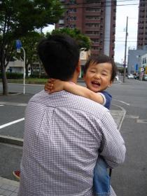 パパ抱っこ!