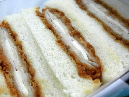 さぼてん 照り焼きチーズミルフィーユかつサンド 中身
