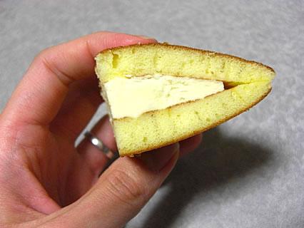 モンテール レアチーズのどら焼き 断面