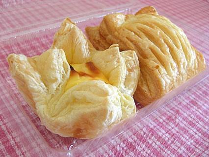 道の駅なみおか アップルヒル アップルパイ(クリームチーズ)210円、パンプキンパイ210円