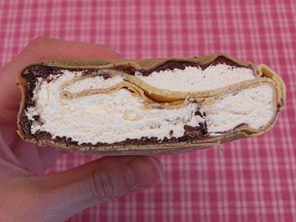 シャプラン クレープ チョコクリーム 断面